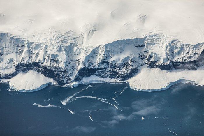 Что скрыто подо льдами Антарктиды?