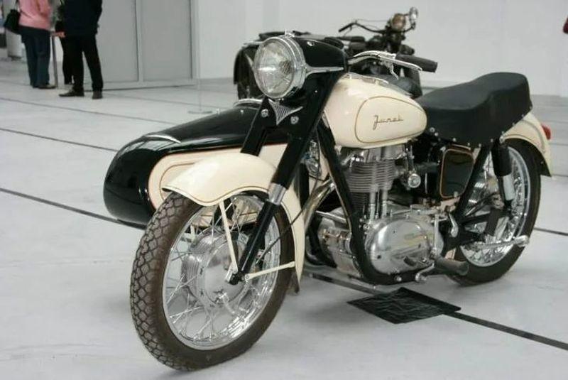 Позабытый мотоцикл Junak — польский «Харлей»