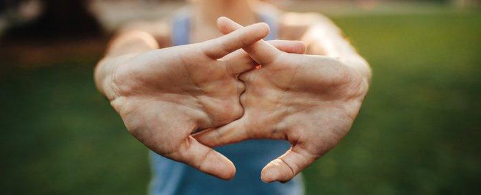 Правда или вымысел, что при хрусте пальцами можно заработать артрит?