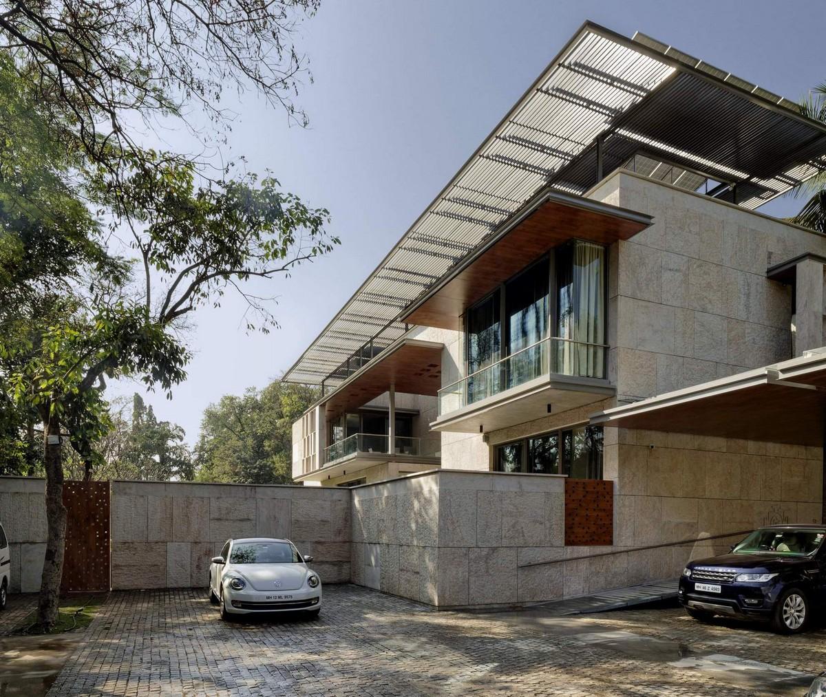 Роскошный семейный дом с водной композицией в Индии