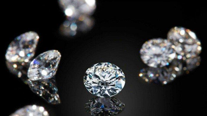 Что произойдет, если бросить алмаз в огонь