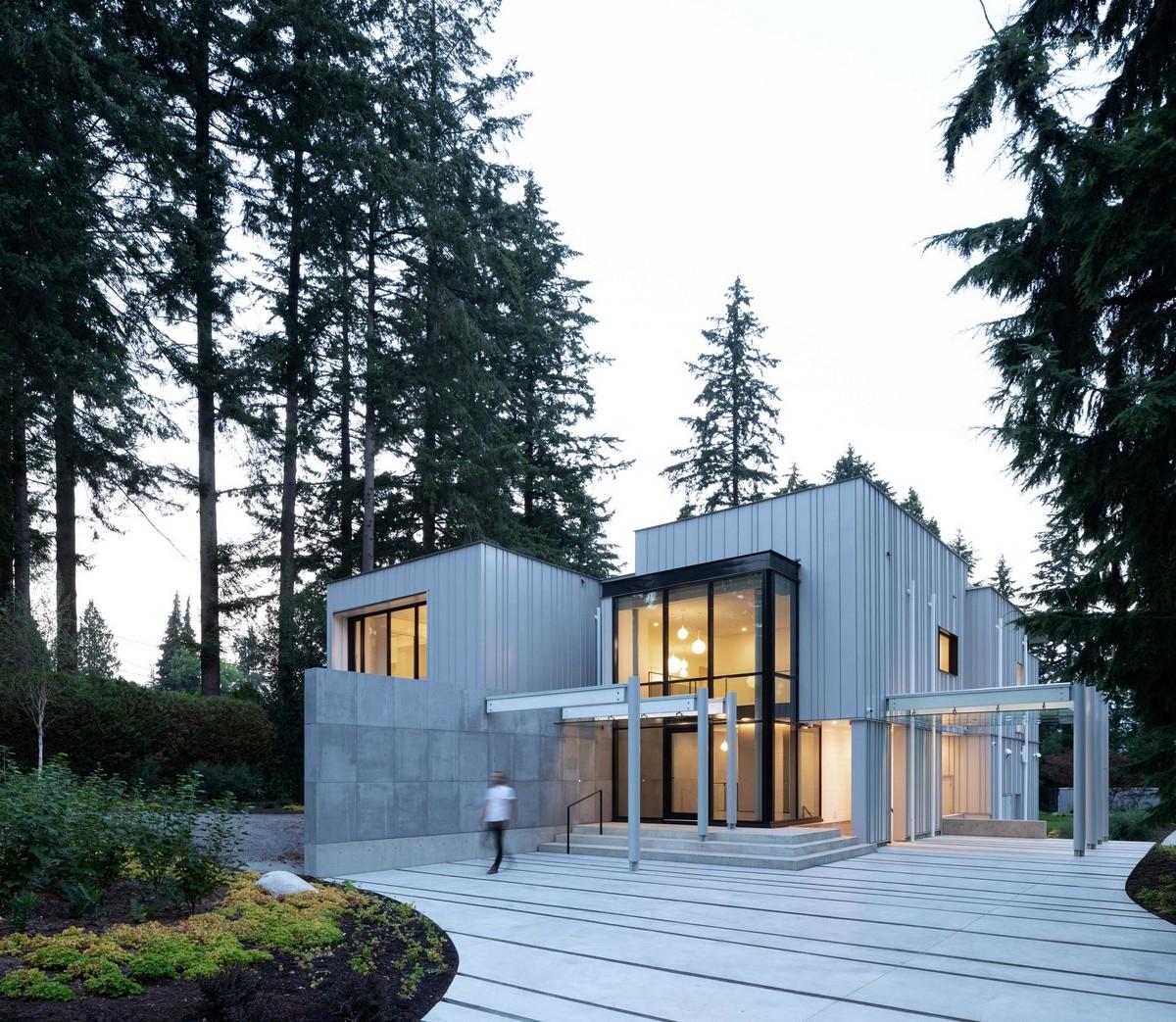 Лесной дом с приямком в Канаде