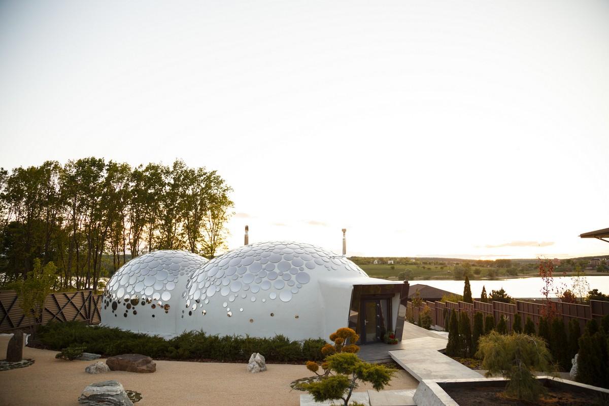 Необычный «дом-пузырь» Baan Bubble House в Украине