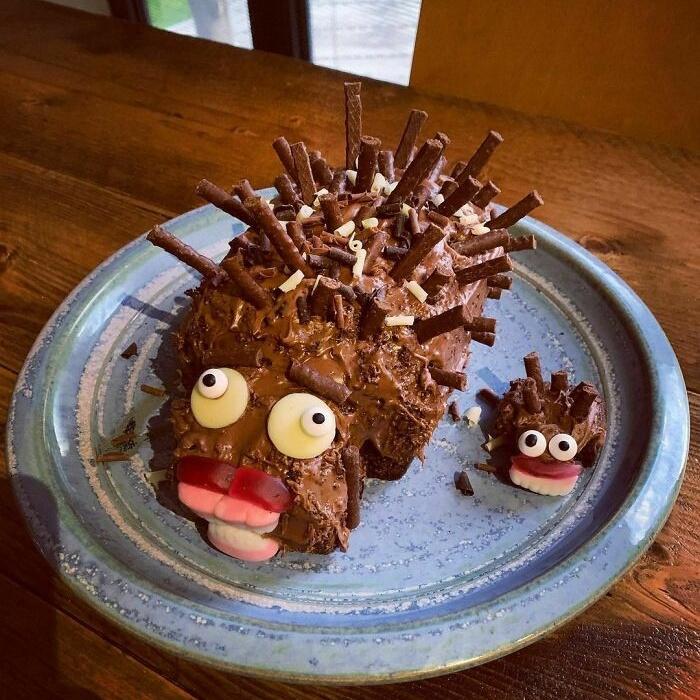 Неудачные торты в виде ежей, во время приготовления которых что-то пошло не так