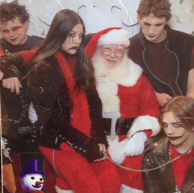 Подборка странных рождественских семейных снимков
