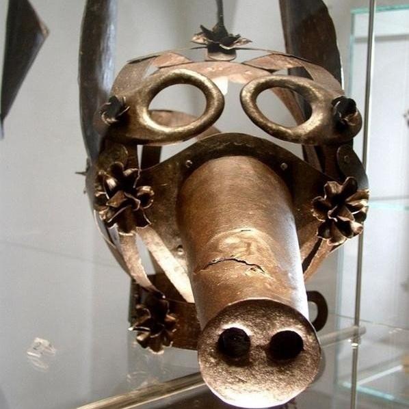Страшные маски из прошлого, от которых пробирает дрожь