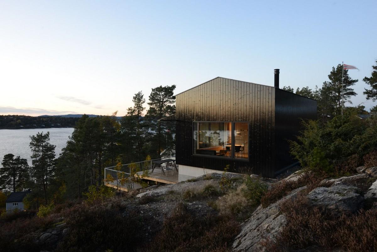 Загородный дом на берегу залива в Норвегии
