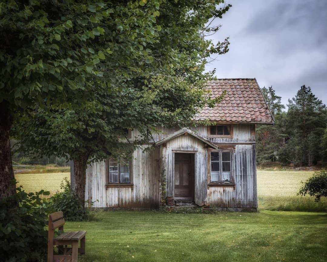 Заброшенные дома в Норвегии на снимках Бритт Мари Бай