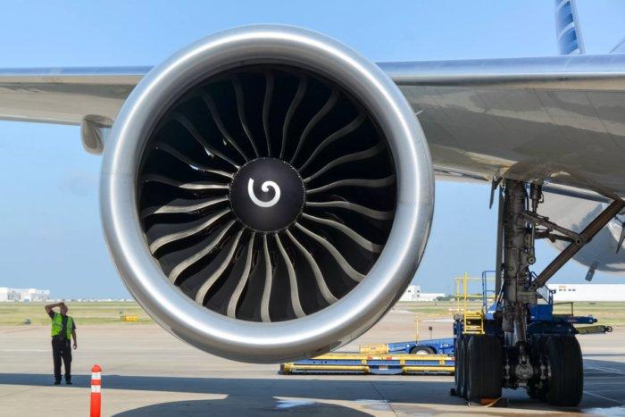 Для чего на турбинах самолётов рисуют спирали?