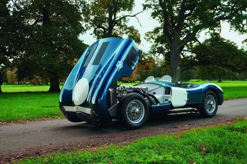 Модернизированные репродукции гоночного Jaguar C-Type