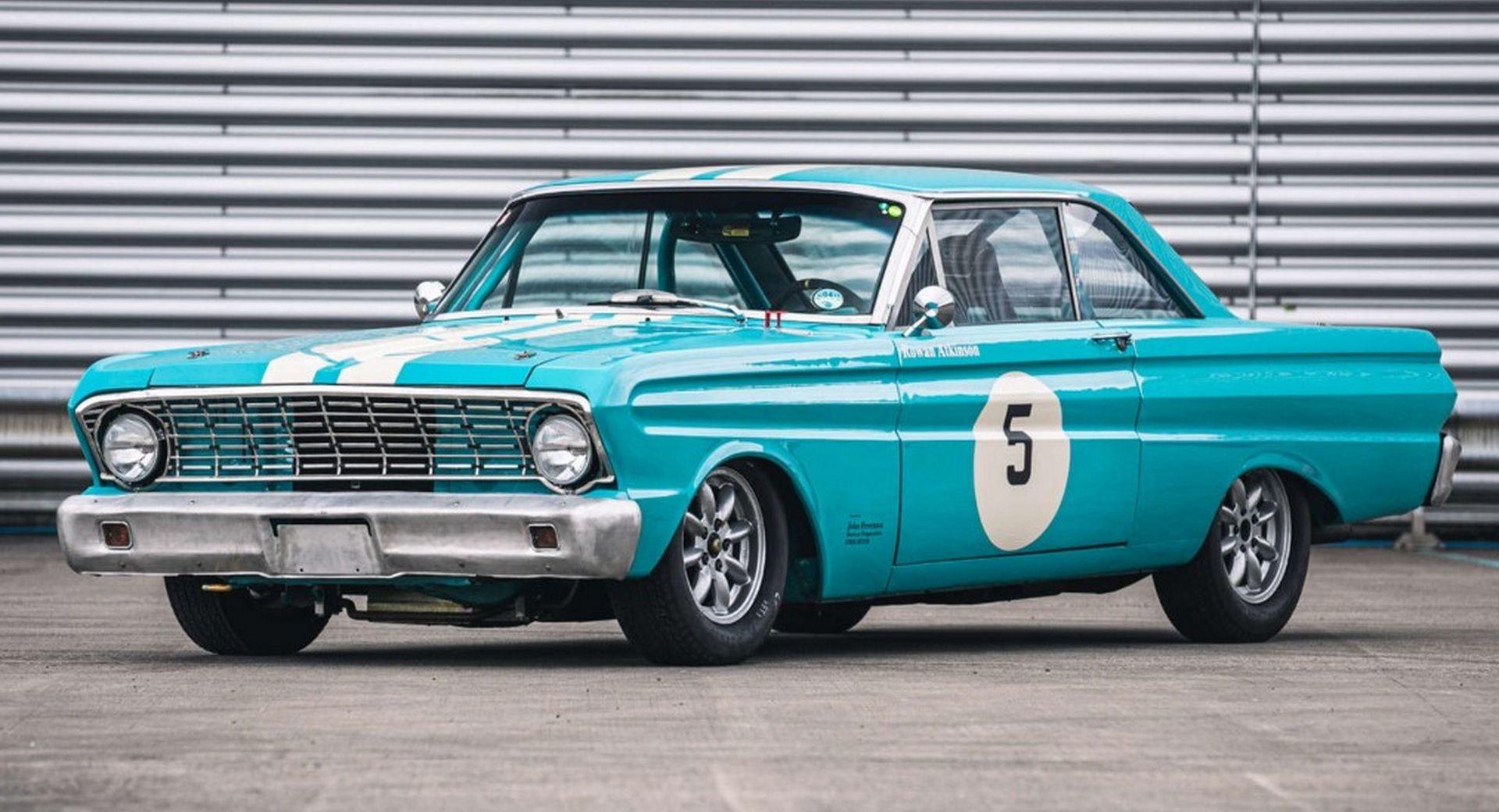 Гоночный Ford Falcon 1964 года выпуска Роуэна Аткинсона
