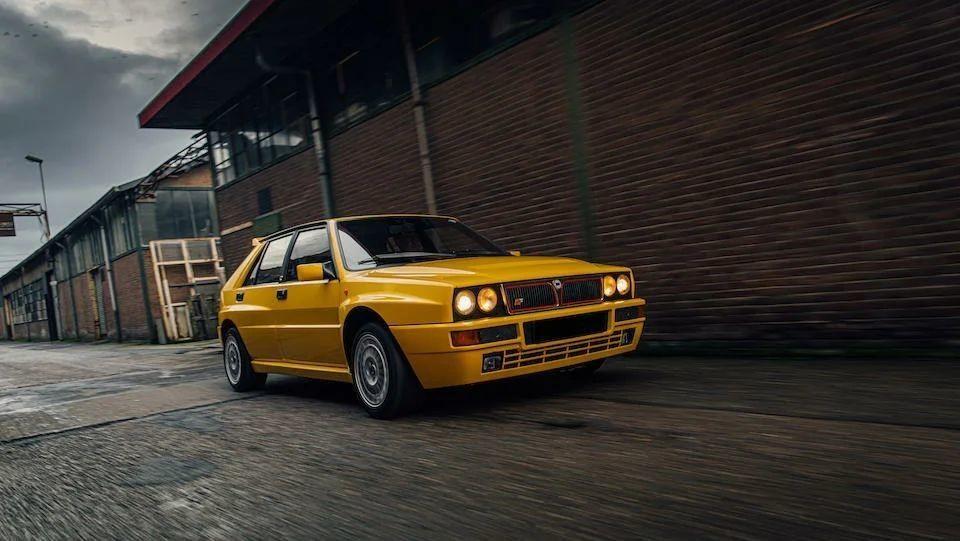 Лимитированный Lancia Delta HF Integrale Evoluzione «Giallo Ferrari»