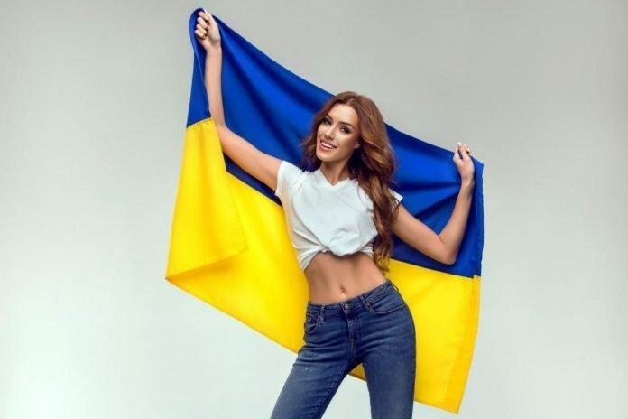 Правильно «на Украине» или «в Украине»?