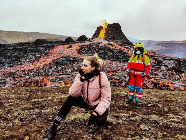 Проснувшийся вулкан Фаградалсфьяль не испугал инстаграм-блогеров