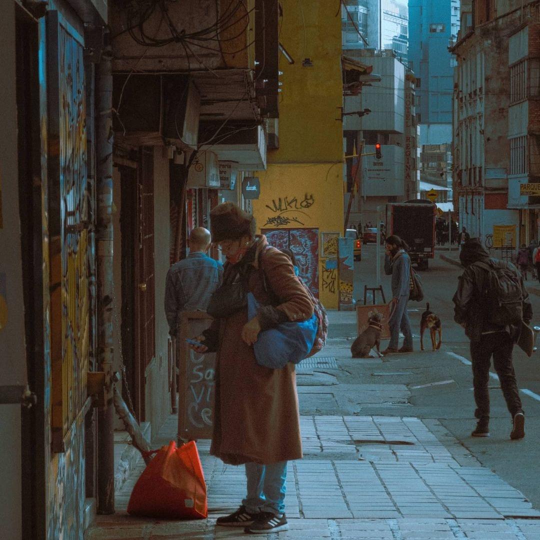 Городские пейзажи и уличные снимки от Альфонсо Леона