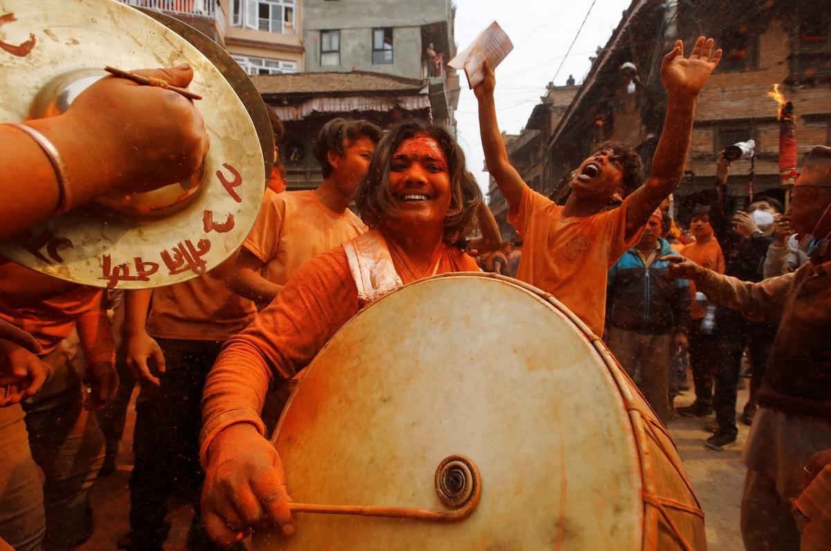 Непальский новый год и праздник «Бискет Джатра» в городе Тими