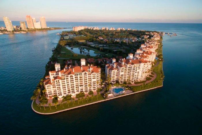 Закрытый остров, на котором живут самые богатые люди планеты