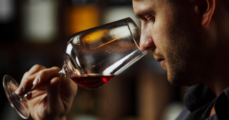 Бывает ли «порошковое вино» и стоит ли его бояться?