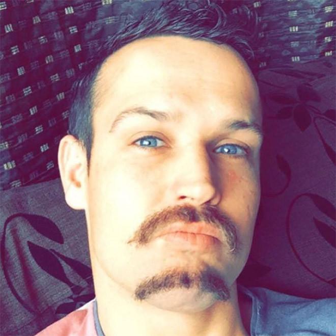 Двойные усы — новый мужской тренд
