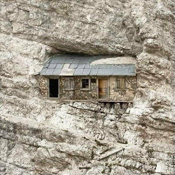 Крутой домик настоящего альпиниста