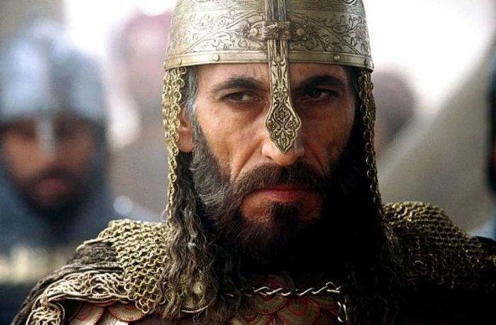 Откуда Саладин доставал лед для своей воды посреди пустыни?