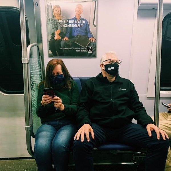 Прикольные внезапные сходства и совпадения в метро
