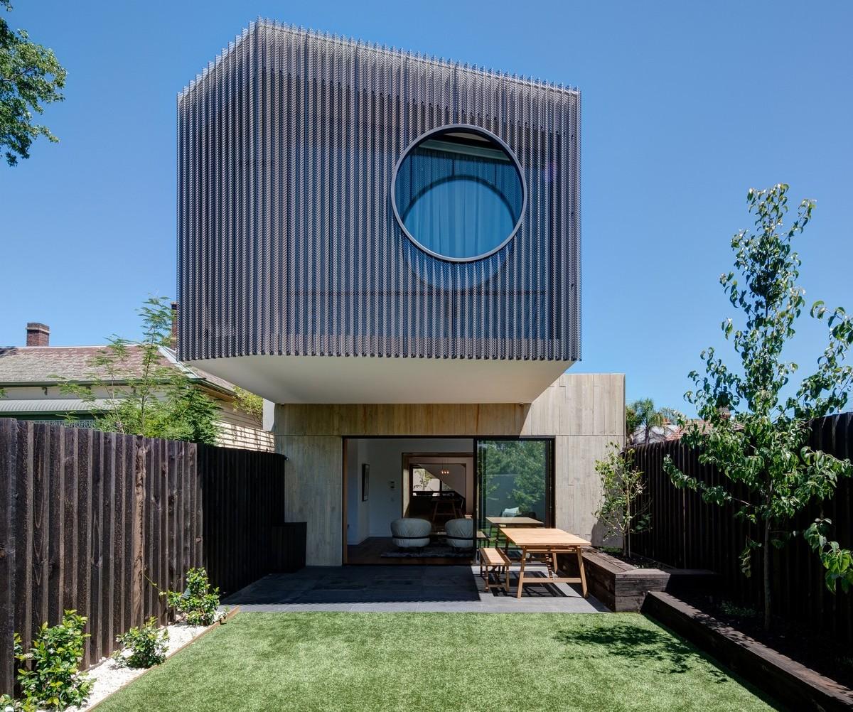 Семейный дом как комбинация павильонных объемов в пригороде Мельбурна