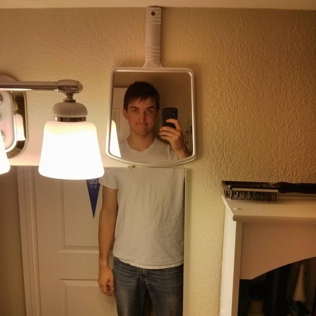 Снимки высоких людей, которые всё время попадают в неловкие ситуации