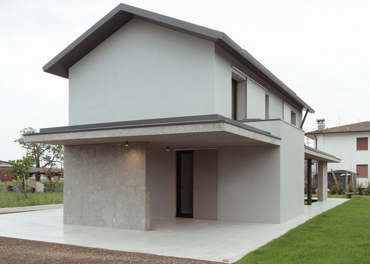 Современный семейный дом в сельской местности Италии