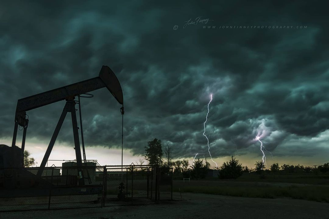 Бури и грозы на снимках охотника за штормами Джона Финни