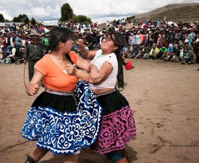 Таканакуй — фестиваль в Перу, где можно подраться с раздражающим человеком