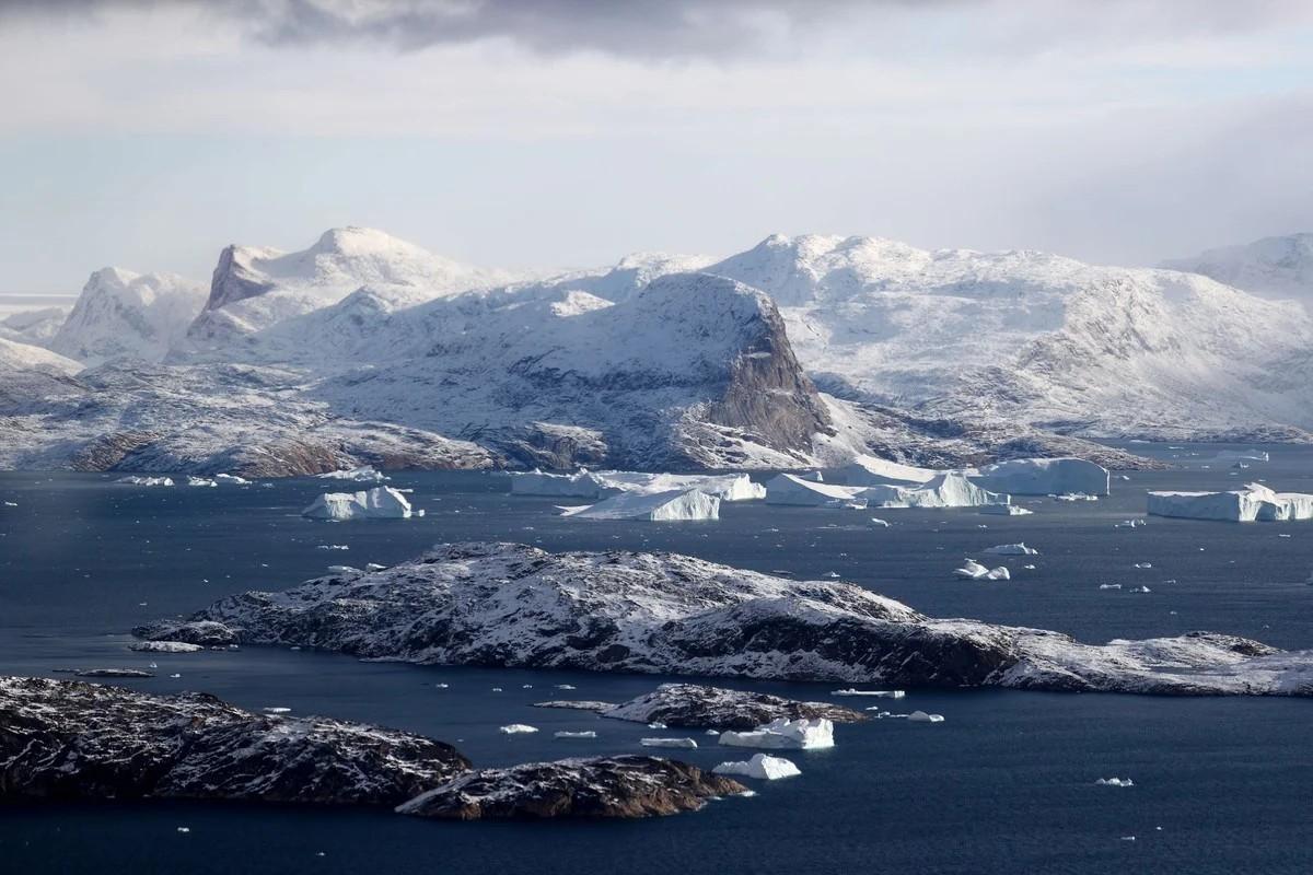 Снимки таяния ледников и потери ледяного покрова Гренландии