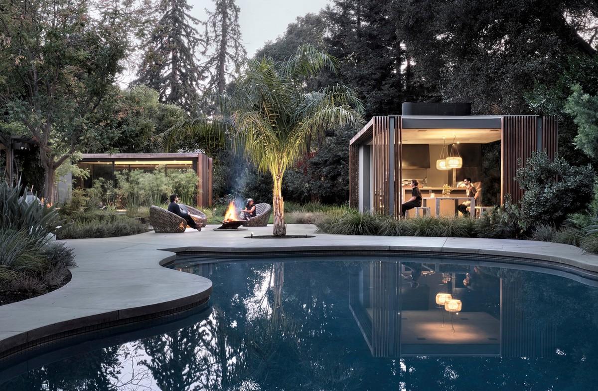 Два домика для еды и отдыха в Калифорнии