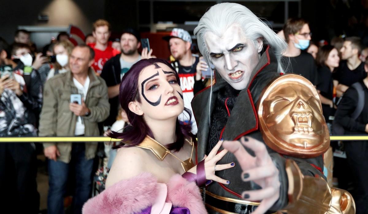 Посетители фестиваля Comic Con 2021 в Праге