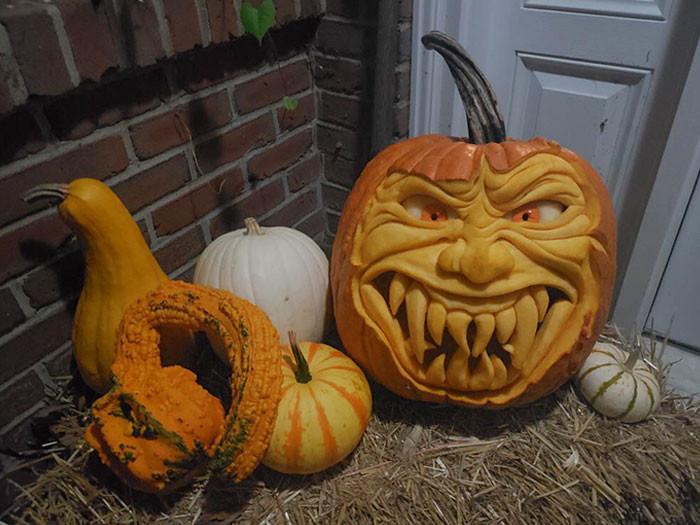 Разные резные тыквы на Хэллоуин