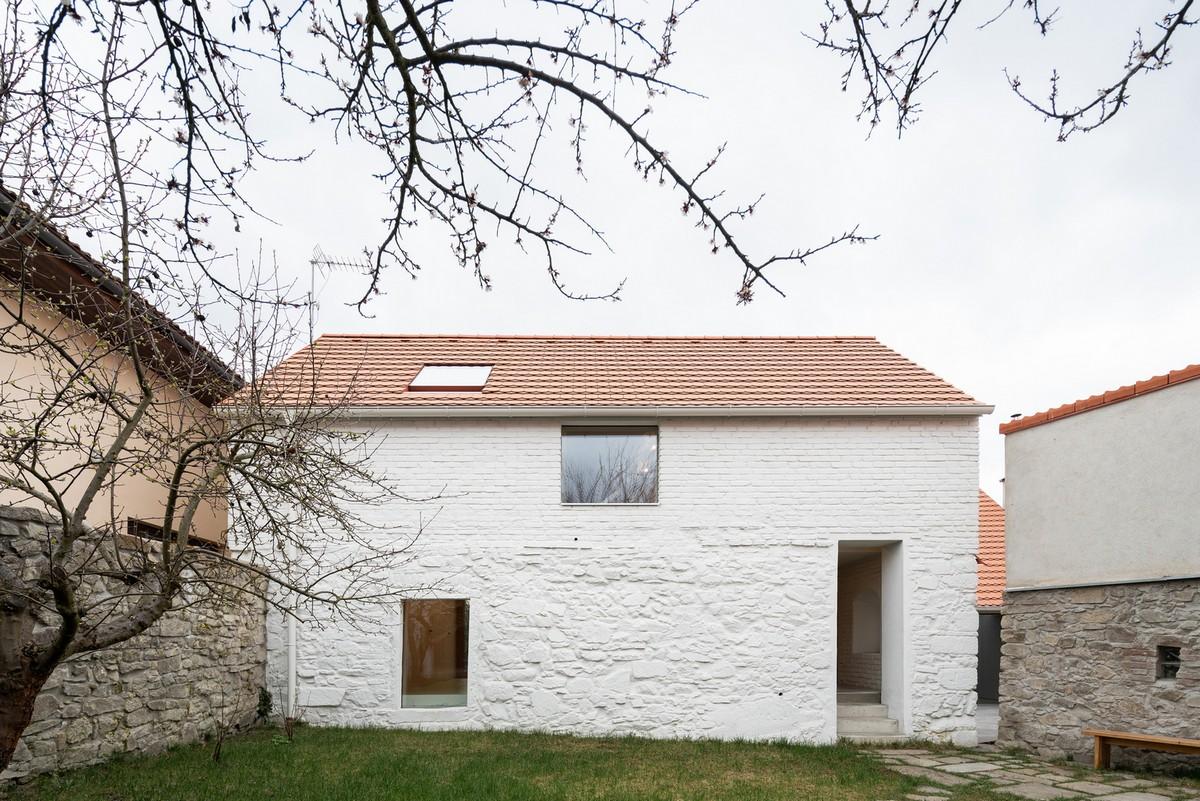 Реконструкция и объединение двух старых домов в Чехии